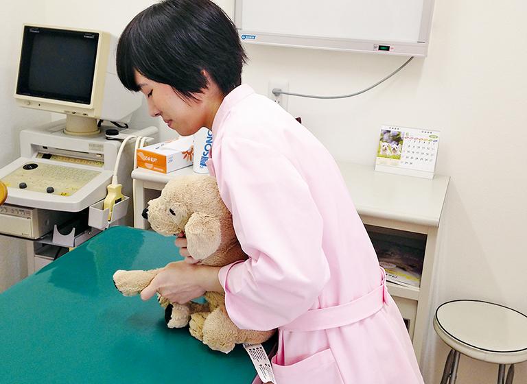 POINT3 動物病院実習(インターンシップ)でさまざまな技術を習得